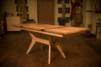 Extending-table-in-solid-Ash-and-Walnut